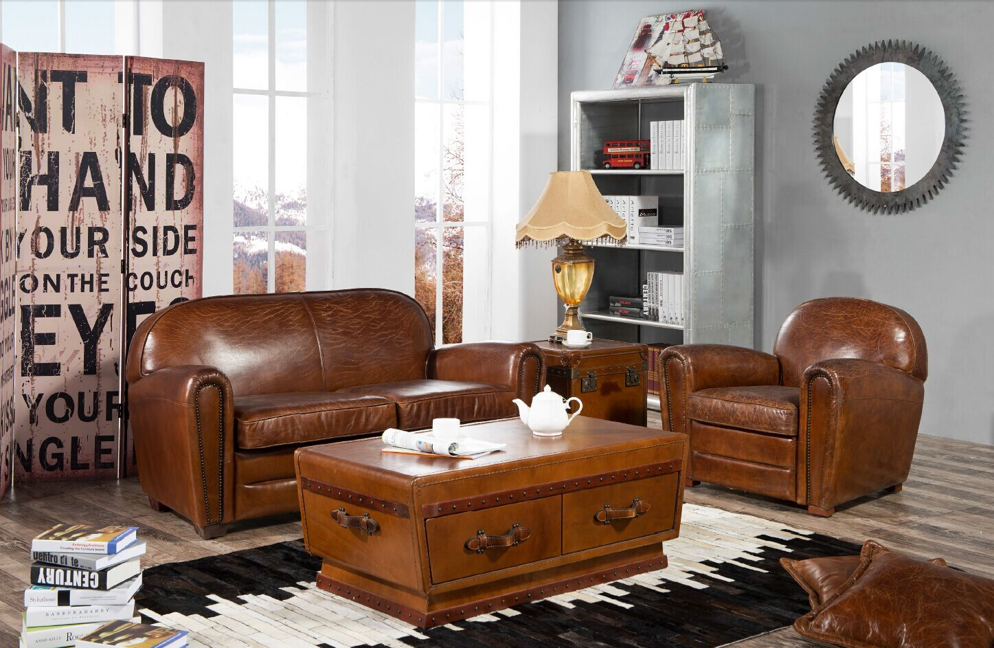 canap club en cuir marron et bois bristol de style r tro fabrication artisanale. Black Bedroom Furniture Sets. Home Design Ideas